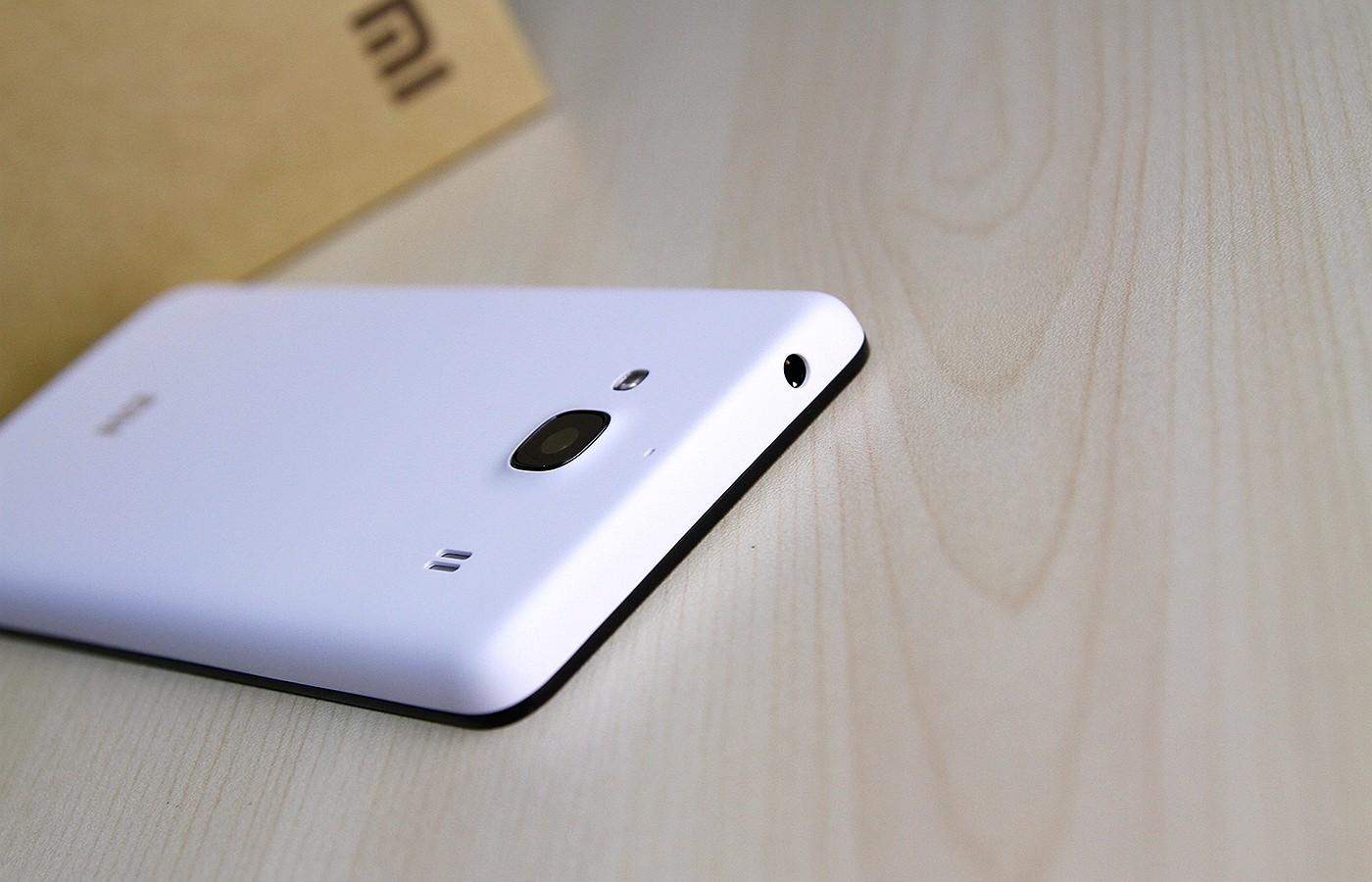 紅米手機2A搭載1.5GHz聯芯L1860C四核處理器,Mali T628MP2 雙核GPU;采用4.7英寸IPS屏幕,后置800萬像素相機,支持移動4G雙卡雙待。同時,它還內置1GB RAM+8GB ROM,電池容量為2200毫安時。售價為599元,4月8日米粉節特價499元。紅米手機2A搭載1.5GHz聯芯L1860C四核處理器,Mali T628MP2 雙核GPU;采用4.