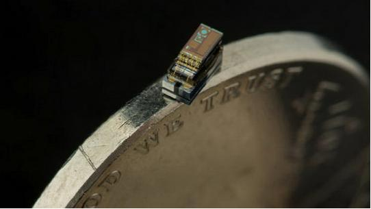 世界上最小计算机 一粒米大小能拍照记录数据