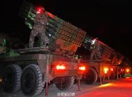 解放军装备新型模块化火箭炮