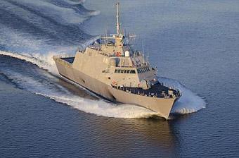 美海军濒海战斗舰窜访越南