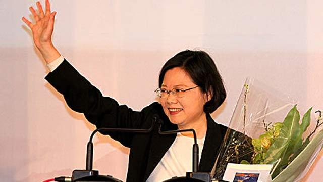 """民进党正式提名蔡英文角逐2016年台湾""""大选"""""""