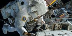 史上最强自拍 NASA宇航员拍下迷人地球