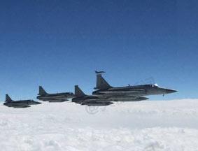 巴基斯坦枭龙战机为习近平专机护航