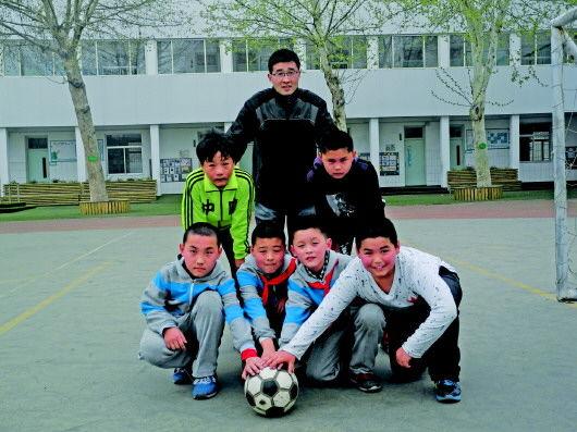 语文老师改行教体育 1年时间带校队夺省足球冠军