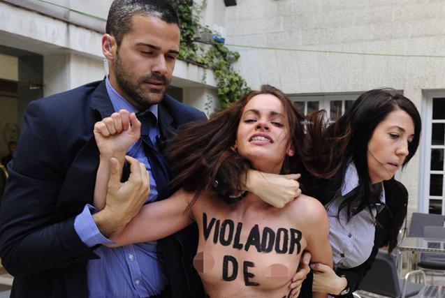 Femen女权成员马德里裸身抗议遭逮捕