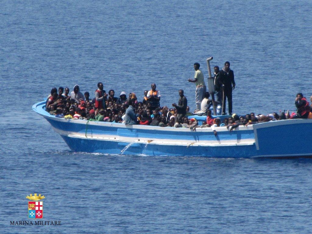 意大利移民获救公布非法海警视频平安贷视频i图片