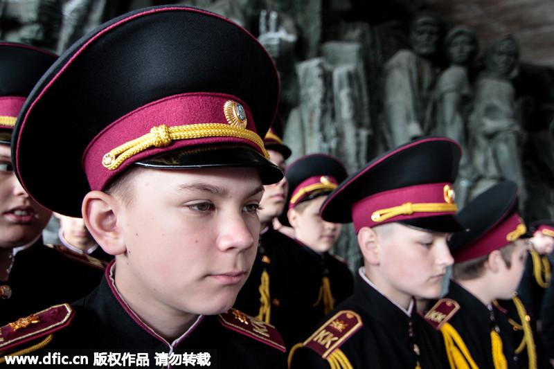 乌克兰小小娃娃兵彩排