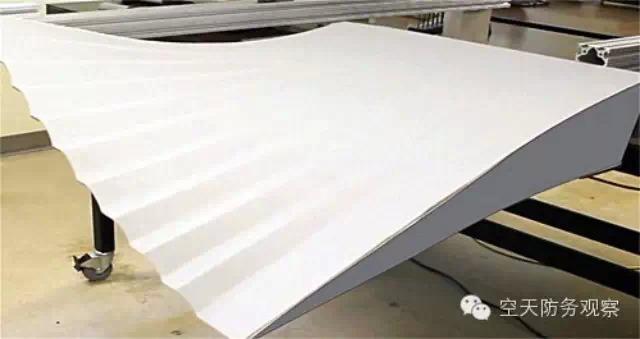 美国NASA成功开展可变形机翼的初步试飞(图)