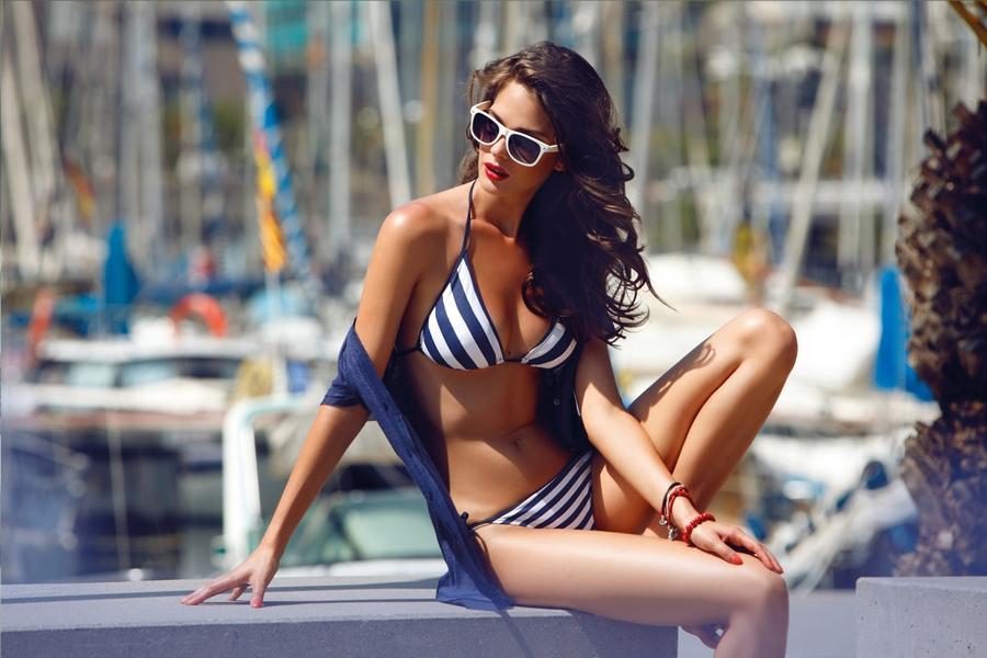 波兰美女模特泳装写真诱惑人
