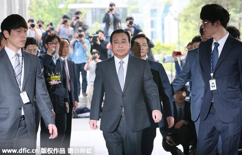 韩国前总理李完九被检方传唤调查(3/3)