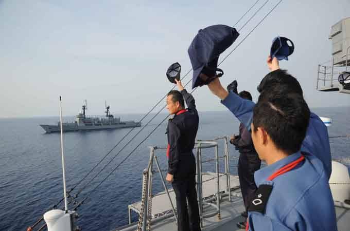 菲总统候选人烧中国国旗博眼球 称百分百当总统谭震林