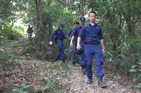 香港警方再登飞鹅山 继续搜寻天价绑架案赎金