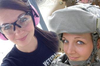 可爱退伍女兵曾上过伊拉克战场
