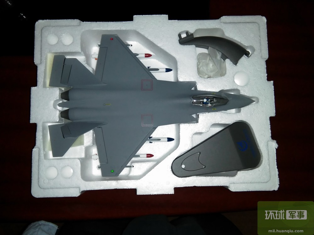 歼31隐身战斗机和歼15模型鉴赏