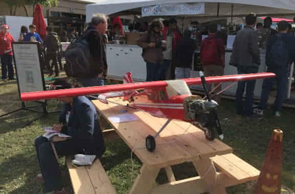 谷歌展示两款自研无人机:一架已经投入使用