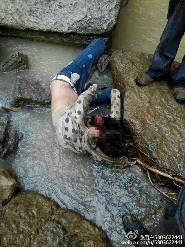 河县新景乡3名女生在放学路上被山洪冲走,其中两具女生的遗体于
