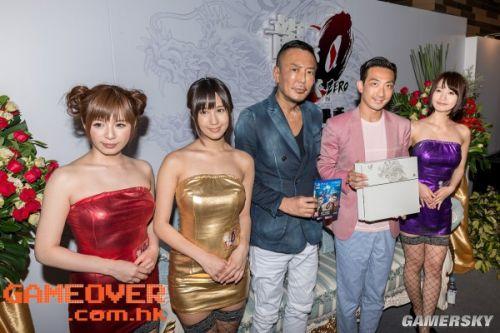 《如龙0》中文版油腻制服女优摆拍 引燃绅士硬盘