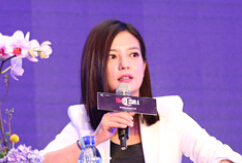 赵薇:不因为责任增大而抛弃女性魅力