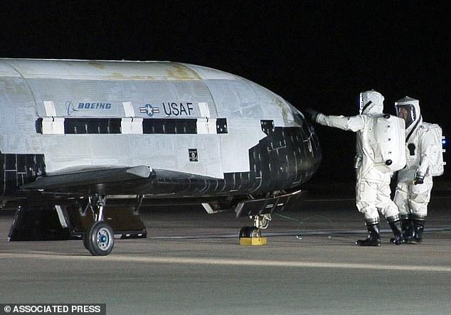 美国神秘X-37B空天飞机再升空 美媒:中国紧张