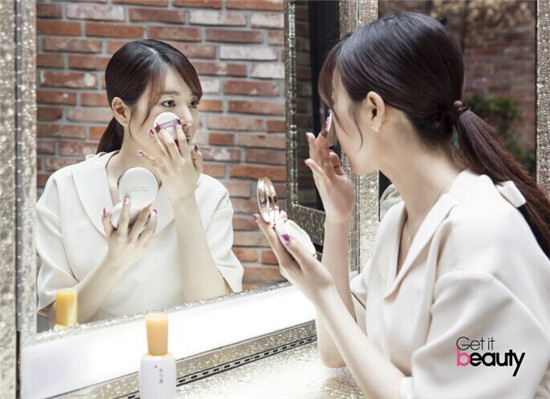 少女时代Sunny公开护肤秘诀:洁面后用精华液