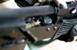 慢镜头看清AK步枪射击全过程细节