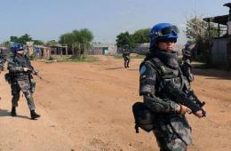 中国维和女兵走上战位武装巡逻