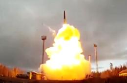 俄军多款战略大杀器发射壮观场面