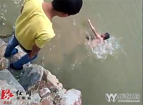 事件追踪:初中生溺亡 伙伴岸边嬉笑未施救?