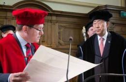 潘基文到访比利时获名誉博士学位