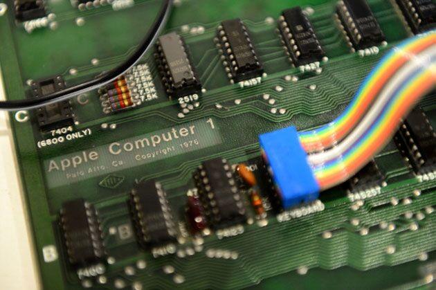 价值20万美元的Apple I电脑惨被弃置收受接结束!