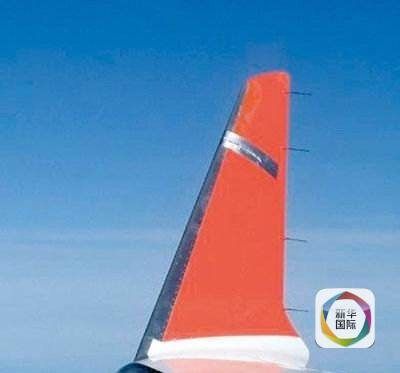 胶带黏飞机吓坏乘客 专家:不会影响飞行安全