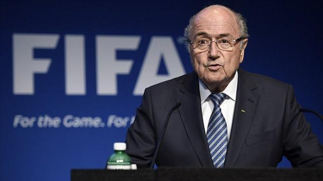 布拉特宣布将辞去FIFA主席职务 17年统治将落幕