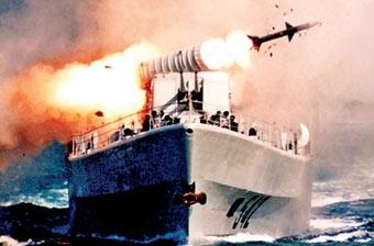 摄影师镜头记录海军震撼瞬间