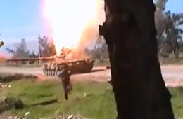 叙反对派向炮管投入手雷致T-72殉爆