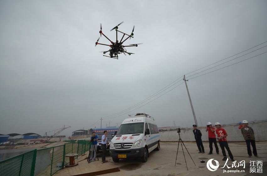 无人机全程航拍记录浮管沉放全程(组图)