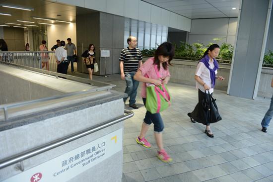 香港17万公务员加薪 幅度23年首次高于调查净指标