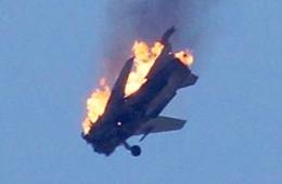 叙利亚政府军战机遭反对派击中坠毁