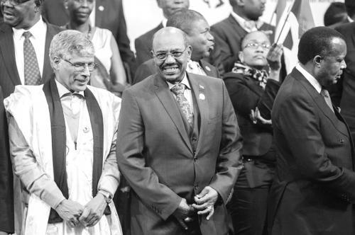 苏丹总统南非被扣虚惊一场 南非总统怒对法庭禁令