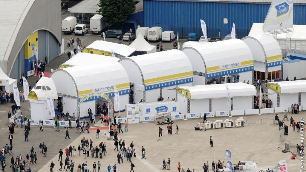 巴黎航展首日波音空客揽大单 价值达230亿美元