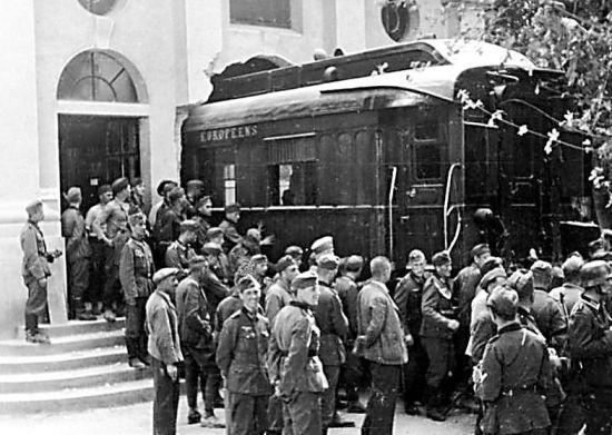 二战中法国投降仪式为何在车厢举行?