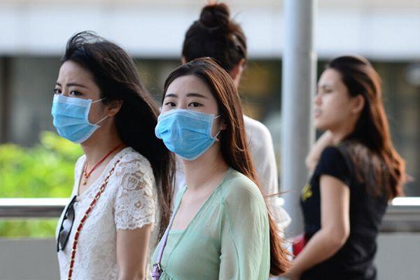 泰国现首例MERS患者 民众出行戴口罩预防