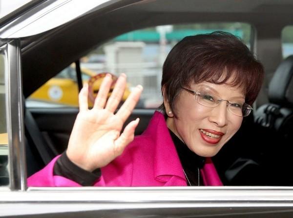 台媒:洪秀柱超越蓝绿统独 领导台脱掉国王新衣吧