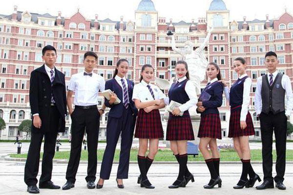 四川一学校打造国际范校服