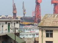 大连造船厂舰艇建造场景