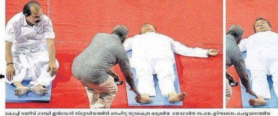 印度铁路部长做瑜伽时睡着 照片被疯传(图)