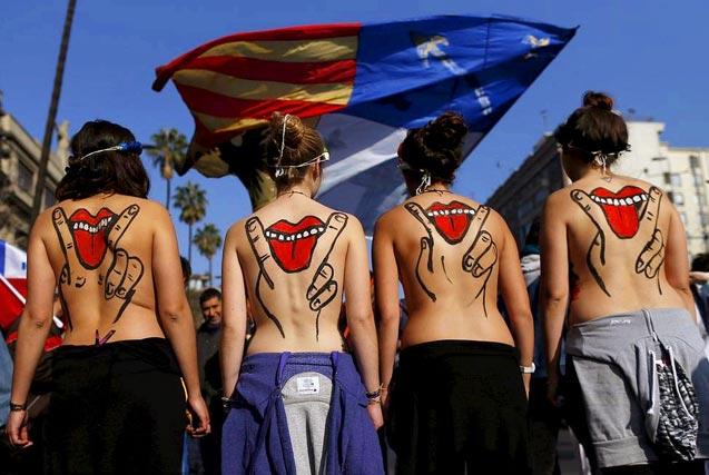 图片一周精选 智利学生裸身抗议教育改革