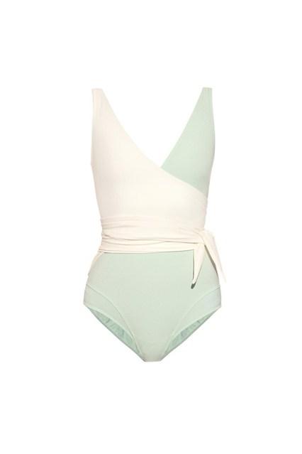 选对泳衣穿出好身材 10种经典泳衣款式推荐
