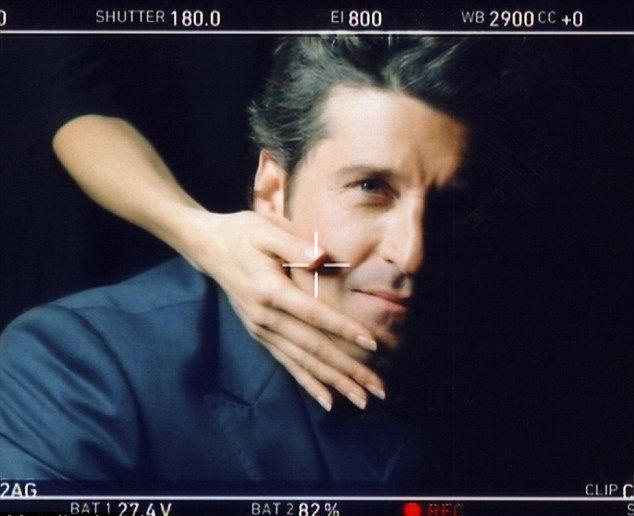 美模特靠性感嘴唇和长腿细手日入3万 图片