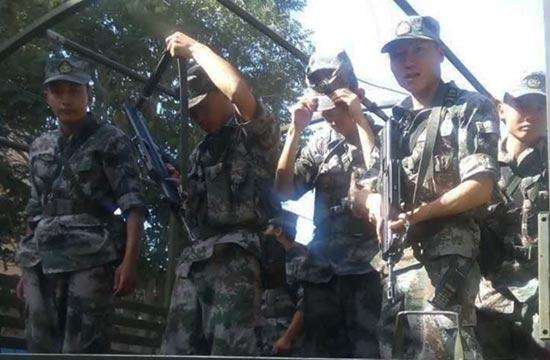 子弟兵紧急驰援新疆皮山震区