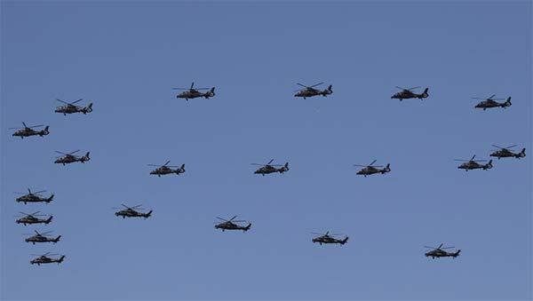 阅兵彩排直升机铺天盖地很震撼